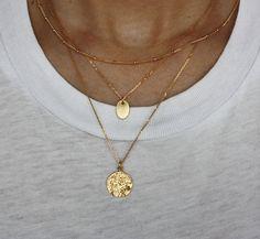 gold minimalist