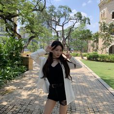 Kim: life in Manaus ! Blake Lively, Kpop Girl Groups, Kpop Girls, Kim Chanmi, Chung Ah, Kim Chungha, Taylor Swift, Idole, Pretty Asian