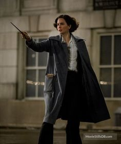 Fantastic Beasts and Where to Find Them - Publicity still of Katherine Waterston