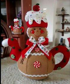 Christmas 2019 : Christmas decorations 2019 - 2020 that you can make with felt Gingerbread Ornaments, Christmas Gingerbread, Felt Ornaments, Gingerbread Men, Christmas Projects, Felt Crafts, Christmas Crafts, Christmas Ornaments, Handmade Christmas