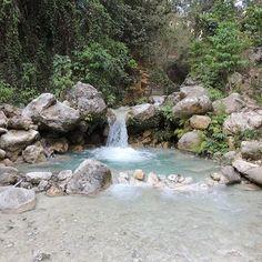 > Antes de comenzar el día hay que bañarse en el friito de la loma Los Guineos  #Jaraguenses #Neyberos