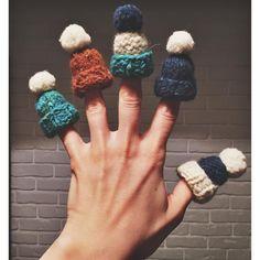 Подготовительные работы к #wool_market, приходите в субботу в @darlingbars на маяковке знакомиться и выбирать уютные новогодние подарки себе, брату и тому гному  В общем, всем