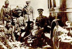 """✿ ❤  """"Bu inkılâp milletin selâmeti namına, hak namına yapıldı. Milletimiz demokratik bir hükûmet tesis etmek sayesinde düşman ordularını imha etti. Vatanı istilâdan kurtardı."""" M.Kemak Atatürk"""