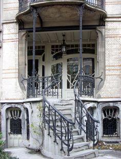 Antwerpen Berchem art nouveau entry (photo lindacolsh)