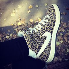 Nike leopard print shoes