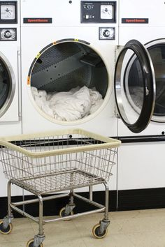 You can absolutely wash your down comforter without taking it to a dry cleaner. All you need is a mild detergent, and a few hours spent at the laundromat. Washing Machine Cleaner, Clean Washing Machine, Washing Down Comforter, Lava, Apartment Cleaning, Diy Cleaning Products, Cleaning Tips, Cleaning Supplies, Household Chores