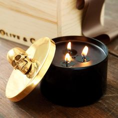 """Gold Skull Candle 