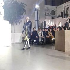 Arranca el.#desfile en el Cour Marly del #louvre. @louisvuitton #pfw #fw17  via MARIE CLAIRE SPAIN MAGAZINE OFFICIAL INSTAGRAM - Celebrity  Fashion  Haute Couture  Advertising  Culture  Beauty  Editorial Photography  Magazine Covers  Supermodels  Runway Models