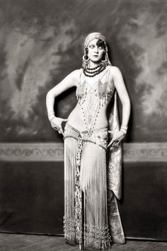 Ziegfeld Follies, photo by Alfred Cheney Johnston.