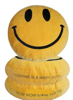 Smiley Face Dog Bed-- OMG Peaches and Lyn are so getting these!