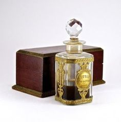 1908 Baccarat, L.T. Piver Astris perfume bottle and sto : Lot 228