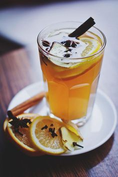 Mulled Mead – It's Not Just For Viking Christmases Anymore Rum Truffles, Winter Drink, Mead Recipe, Austrian Recipes, Jus D'orange, Vegetable Drinks, Healthy Eating Tips, No Cook Meals, Food And Drink