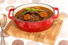 Naudanlihaa punaviinissä Crockpot, Chili, Food And Drink, Soup, Meat, Cooking, Recipes, Foods, Drinks