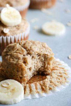 Are you tasting a delicious muffin on a Weight Watchers diet? Here are some of the BEST Weight Watchers muffin recipes. Easy WW muffin ideas that make a great treat, snack, dessert or grab and go breakfast. Chocolate Pumpkin Muffins, Banana Oatmeal Muffins, Healthy Banana Muffins, Banana Oats, Banana Bread, Banana Recipes, Muffin Recipes, Baby Food Recipes, Weight Watchers Muffins