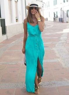 Take your style to the next level with this amazing dress! The criss-cross detail and comfortable material will make this dress your new go-to. Black, sleeveless maxi dress with v-neckli Affordable Dresses, Trendy Dresses, Cute Dresses, Casual Dresses, Summer Dresses, Floryday Dresses, Ladies Dresses, Summer Maxi, Look Casual