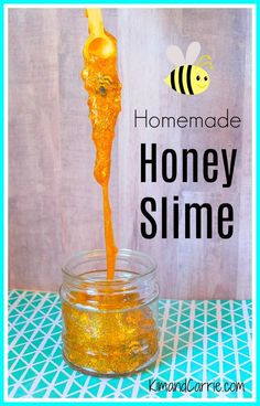 Easy DIY Honeybee Slime recipe for kids! This cool slime recipe looks like honeycomb with actual bees in the honey! A fun craft for children. Bee Crafts For Kids, Diy For Kids, Easy Crafts, Bees For Kids, Cork Crafts, Diy Stressball, Easy Diy, Diy Unicorn, Cool Slime Recipes