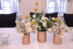 simple but beautiful table decor