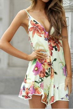 DETAILS: Beautiful floral playsuit Floral printV surplice neckline designSleevelessElasticated waist lineUnlined FIT:Relaxed fit No stretch to fabric   STYLING: