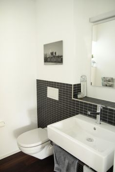g ste wc on pinterest toilets modern toilet and bathroom. Black Bedroom Furniture Sets. Home Design Ideas
