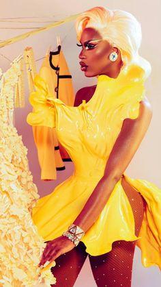 ♥ Shea Couleé ♥ Crème Brûlée, photography by Brendon Brown ( + 👁 ÐΔ₦ PØŁ¥ΔҜ 👁 ( Drag Queens, Trajes Drag Queen, Drag Queen Outfits, Drag Queen Makeup, Drag Makeup, Eye Makeup, Queen Art, Queen Fashion, Celebrity Dads