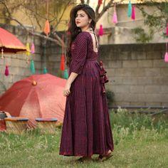 Designer Anarkali Dresses, Designer Party Wear Dresses, Kurti Designs Party Wear, Gown Pattern, Dress Patterns, Indian Wedding Outfits, Indian Outfits, Kurti Back Neck Designs, Indian Gowns Dresses