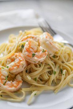 Shrimp Scampi Recipe Spicy Shrimp Pasta, Easy Shrimp Scampi, Garlic Shrimp, Scampi Sauce, Easy Pasta Recipes, Shrimp Recipes, Cooking Recipes, What's Cooking, Fish Recipes