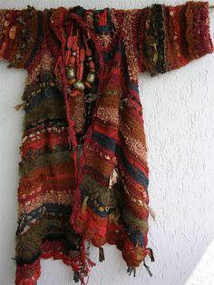 Explore MizzieMorawez's photos on Flickr. MizzieMorawez has uploaded 18770 photos to Flickr. Knitting Blogs, Knitting Designs, Hand Knitting, Knitting Patterns, Knitting Ideas, Freeform Crochet, Knit Crochet, Poncho Lana, Crochet Star Patterns