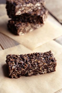 Chocolate Peanut Butter Road Trip Energy Bars (Gluten Free, Vegan, Refined Sugar Free)  Restricted Diets: Road Trip Energy Bar Recipe