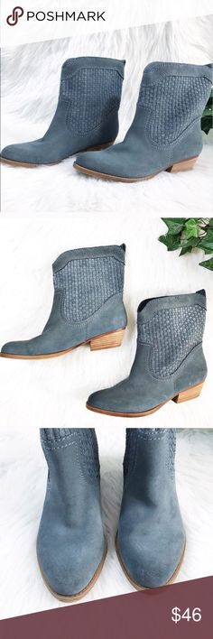 Nine West Festival Blue Suede Booties Ankle Boots. Nine West Denim Blue Suede Booties Ankle Boots. Nine West Vintage America Vashya Denim Blue Suede Ankle Boots Booties . A Beautiful Blue Suede Perforated Upper with nice stitching detail With Wood Stacked Cowboy Heel . Leather Uppers Man made soles. Size 9 Heel height is 1.5 . Preloved some very mild scuffing barely noticeable . Nine West Perforated Denim Blue Booties Ankle Boots Suede Nine West Shoes Ankle Boots & Booties