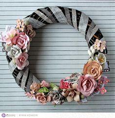 Riikka Kovasin - Paperiliitin: Amelia Rose wreath - Prima Marketing