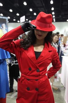 Where in the World is Carmen Sandiago - Carmen Sandiago hiding her eyes as usual Cosplay