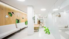 I love the environmental graphics that Barcelona-based design studio Toormix has done for their clients. Their last project for Children's Daytime Oncology and Hematology Center at Vall d'Hebron University Hospital (Barcelona) is just as wonderful and creative as their work for Jaleo Restaurant and China Poblano Restaurant. This project was