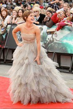 Emma Watson is a beautiful girl, wearing an absolutely bangin' dress.