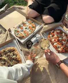 on ig awesome Food Inspiration › Comida Picnic, Pizza Recipes, Healthy Recipes, Diet Recipes, Skillet Recipes, Salmon Recipes, Potato Recipes, Casserole Recipes, Smoothie Recipes