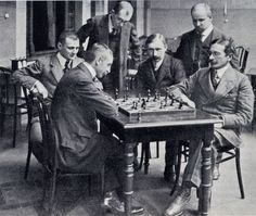 Tarrasch in 1911 Paul Morphy, Mejores Series Tv, Chess Players, Kings Game, Chess Sets, Black And White Pictures, Literature, Champion, Castle