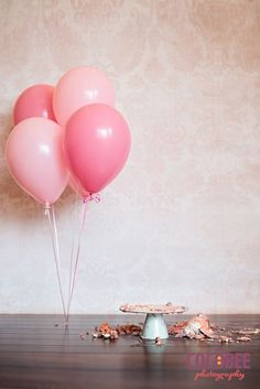 Don't forget to clean up the mess - Birthday Cake Smash Ideas Worth Stealing for Your Little One - Photos Adult Cake Smash, Baby Cake Smash, 1st Birthday Cake Smash, Baby First Birthday, Smash Cakes, Cake Smash Photography, Birthday Photography, Creative Photography, Balloon Pictures