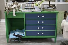 Paints used are annie sloan chalk paint Antibes green and Aubusson blue. What color to paint your furniture? (25 DIY Projects)