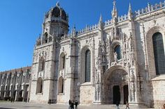 Lisbon tours and trips. Excursions to Sintra, Cascais, Estoril, Obidos, Fatima, Evora, Fado, Porto, Portugal. Cruises, boat tours, night tours. Day tours by Lisbon Travel Agencies, Tour Operators. Travel guide of tours in Portugal.