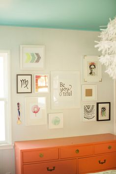 nice Touring Shavonda Gardner's Eclectic Home My New Room, My Room, Baby Furniture, Painted Furniture, Room Inspiration, Interior Inspiration, Colored Ceiling, Ceiling Color, Blue Ceilings