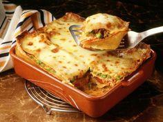 Lasagne mit Hackfleisch und Erbsen ist ein Rezept mit frischen Zutaten aus der Kategorie Kochen. Probieren Sie dieses und weitere Rezepte von EAT SMARTER!