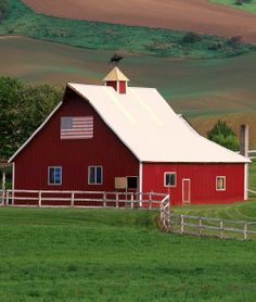 Red Barn  Old Glory