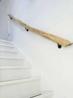 10 trapleuning ideas rnrnSource by inrichtinghuis Staircase Handrail, Staircase Remodel, Banisters, Stair Railing, Railings, Interior Stairs, House Stairs, Stairways, Home Projects
