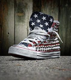 american flag sneaker. must have these.