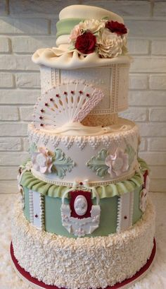 This won the Gold Medal  by Cake International this weekend in Birmingham  ~ November/2013  ~ all edible and pretty incredible!!