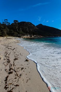 Discover Australia - Wineglass Bay, Tasmania