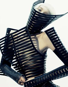 Gareth Pugh  www.fashion.net