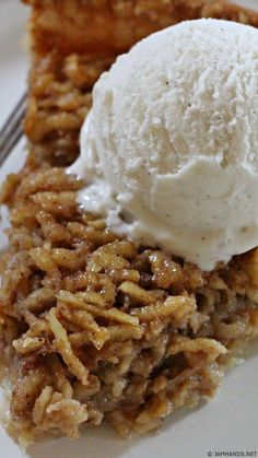 Unbelievably Good Shredded Apple Pie