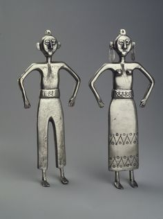 Brooklyn Museum: Decorative Arts: Two Mapuche Figurines, Male and Female Historical Artifacts, Soul Art, Chili, Ancient Jewelry, Naive Art, Treasure Boxes, Simple Jewelry, Tribal Jewelry, Art Decor