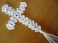 Crochet ideas that you'll love Filet Crochet, Marque-pages Au Crochet, Crochet Angels, Crochet Cross, Cotton Crochet, Thread Crochet, Crochet Gifts, Crochet Bookmark Pattern, Crochet Edging Patterns