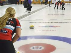 Sherry Middaugh, Julie Hastings both 5-0 at Ontario Scotties - Third Jo-Ann Rizzo watches a shot by skip Sherry Middaugh in Draw 4 action Wednesday.